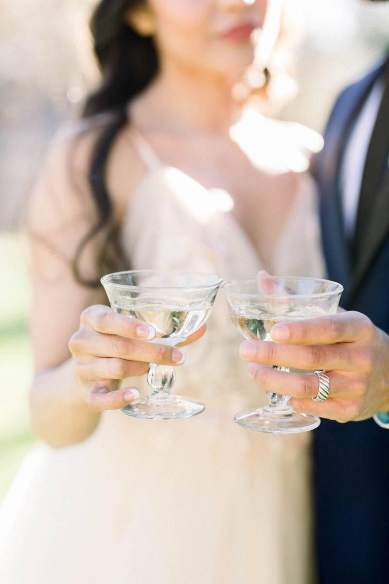 Wedding photo ideas: Elegant southern mansion wedding inspiration featured on Nashville Bride Guide