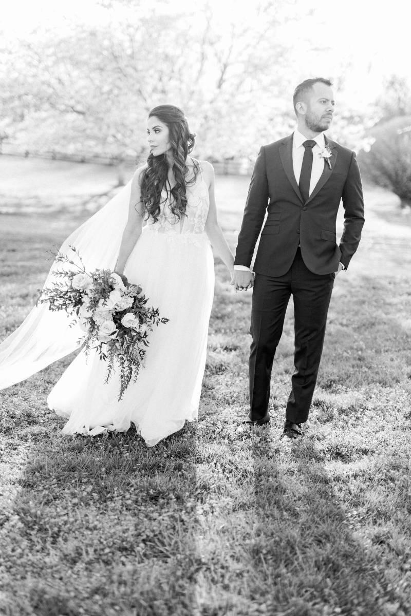 Black and white wedding photos: Elegant southern mansion wedding inspiration featured on Nashville Bride Guide